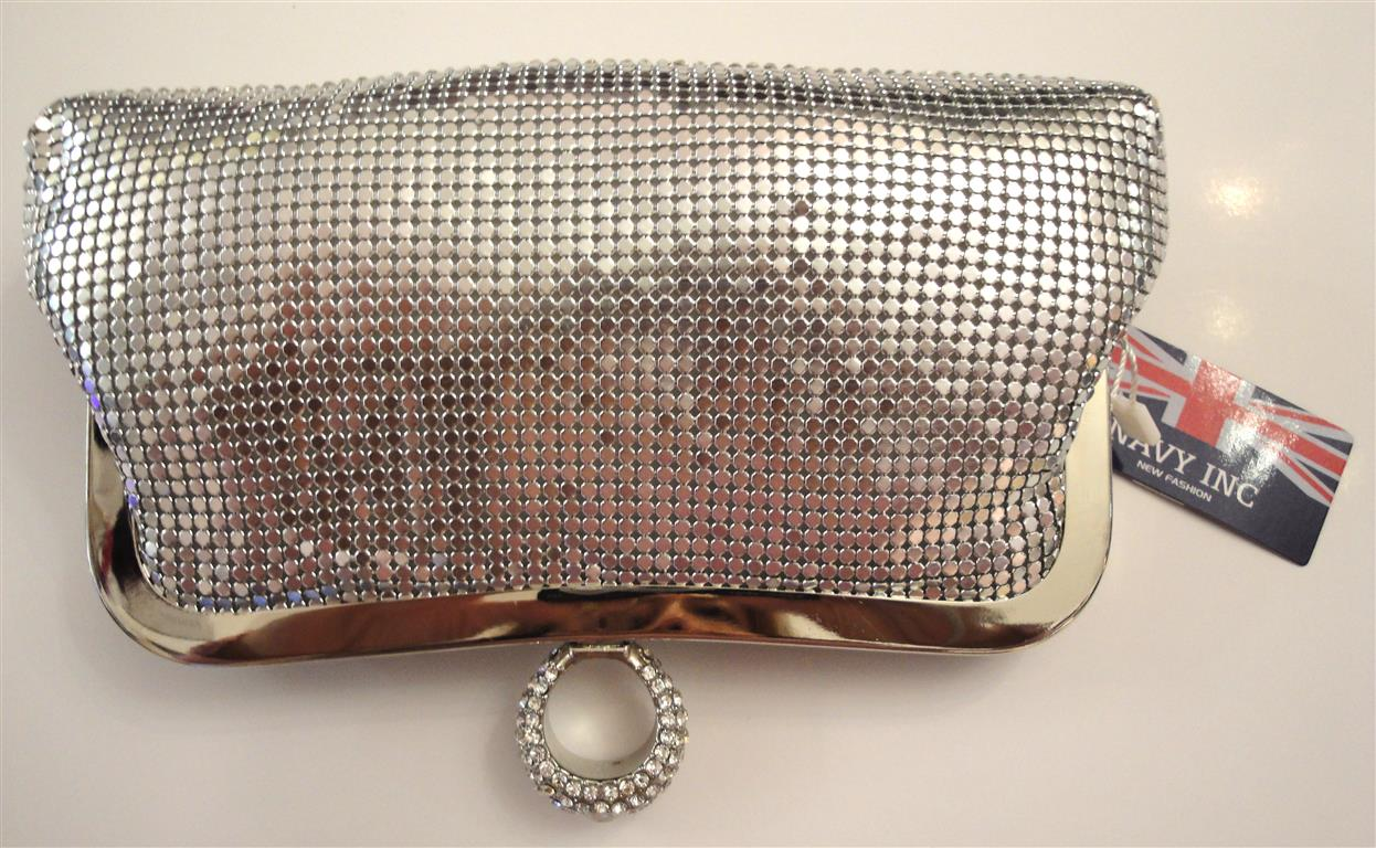 http://www.conmigolondon.co.uk/ekmps/shops/conmigo/images/b2507-dress-bag-sliver-%5B2%5D-11498-p.jpg
